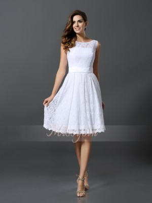 A-Line/Princess Scoop Knee-Length Lace Sleeveless Other Bridesmaid Dresses