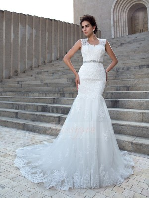 Trumpet/Mermaid V-neck Sleeveless Lace Chapel Train Applique Wedding Dresses