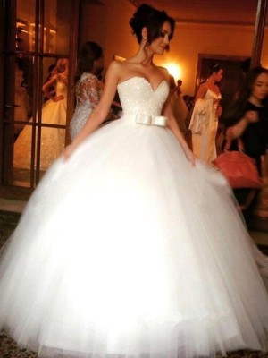 Ball Gown Sweetheart Tulle Sleeveless Bowknot Floor-Length Wedding Dresses