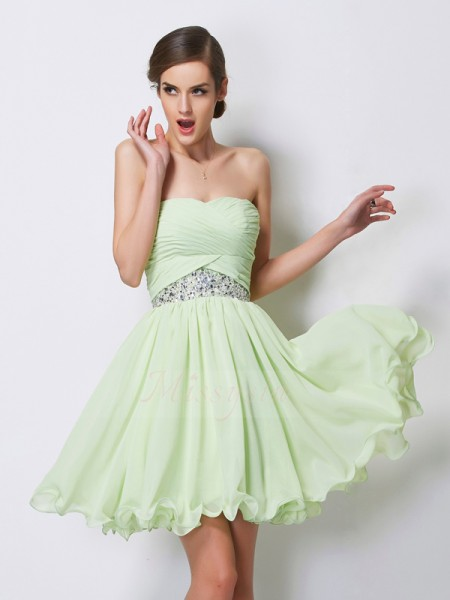 A-Line/Princess Sweetheart Short/Mini Sleeveless Chiffon Beading Dresses