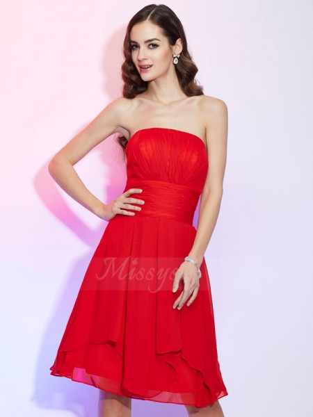 A-Line/Princess Strapless Knee-Length Sleeveless Chiffon Pleats Dresses