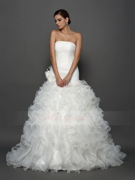 Ball Gown Strapless Cathedral Train Organza Sleeveless Hand-Made Flower Wedding Dresses