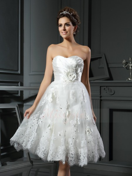 A-Line/Princess Tea-Length Sweetheart Sleeveless Ruched Satin Wedding Dresses