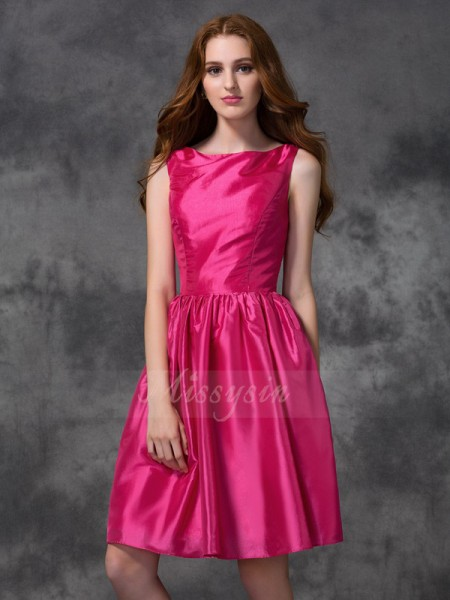 A-line/Princess Bateau Sleeveless Taffeta Knee-length Ruched Bridesmaid Dresses