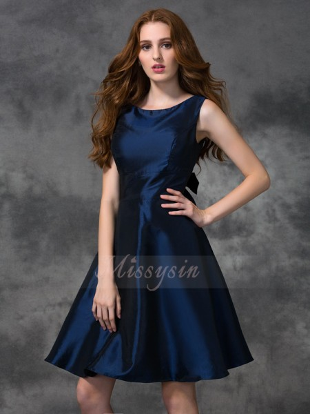 A-line/Princess Scoop Sleeveless Taffeta Knee-length Bridesmaid Dresses
