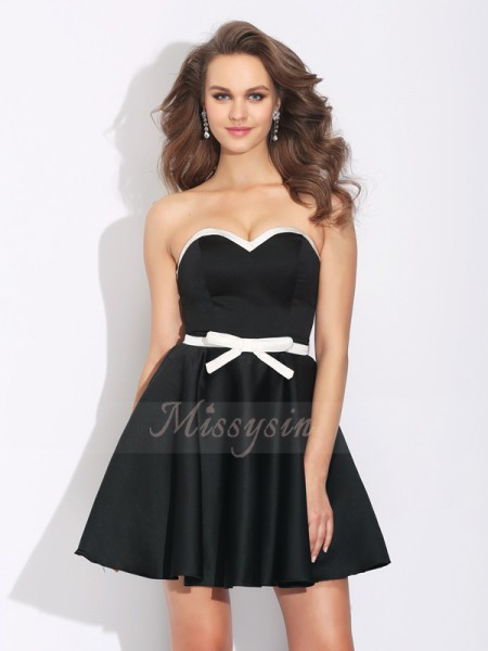 A-Line/Princess Sweetheart Sleeveless Satin Short/Mini Bowknot Dresses