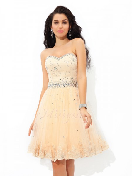 A-Line/Princess Sweetheart Sleeveless Satin Short/Mini Beading Dresses