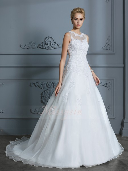 Ball Gown Scoop Court Train Applique Sleeveless Tulle Wedding Dresses