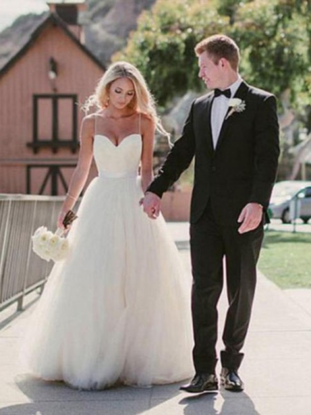 Ball Gown Sweetheart Sleeveless Sweep/Brush Train Tulle Sash Wedding Dresses