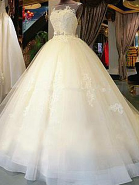 Ball Gown Scoop Sleeveless Cathedral Train Tulle Applique Wedding Dresses