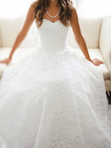 A-Line/Princess Sweetheart Sleeveless Cathedral Train Lace Wedding Dresses