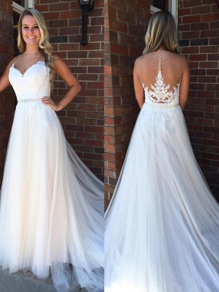A-Line/Princess Scoop Sleeveless Court Train Tulle Applique Wedding Dresses