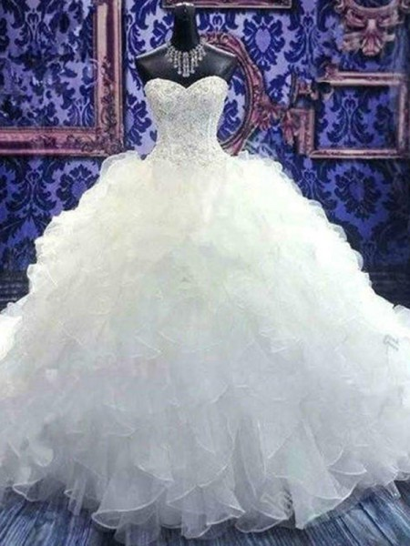 Ball Gown Sweetheart Sleeveless Chapel Train Organza Beading Wedding Dresses