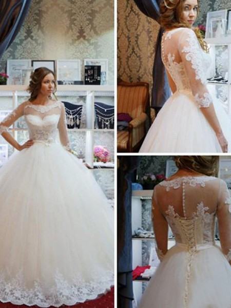Ball Gown Scoop 1/2 Sleeves Floor-Length Tulle Applique Wedding Dresses