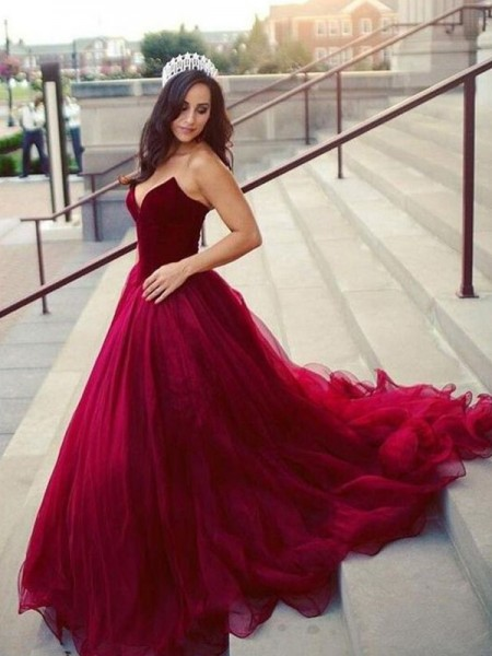 Ball Gown Sleeveless Court Train Tulle Sweetheart Dresses