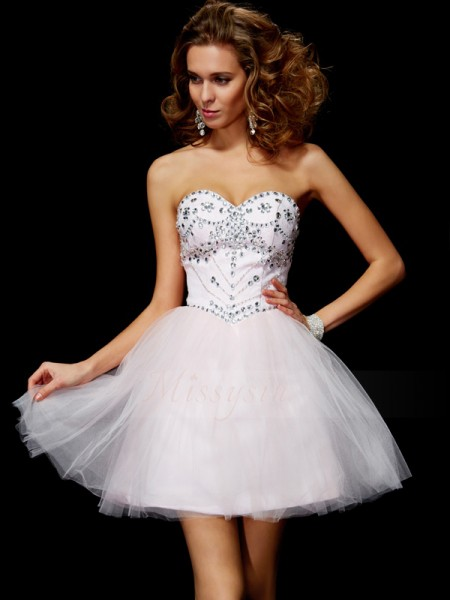 A-Line/Princess Sweetheart Short/Mini Sleeveless Organza Beading Dresses