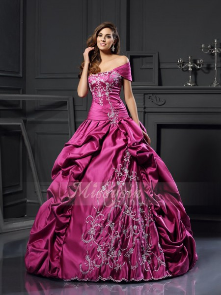 Ball Gown Sweetheart Floor-Length Satin Sleeveless Applique Dresses
