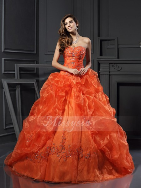 Ball Gown Sweetheart Court Train Organza Sleeveless Beading,Applique Dresses