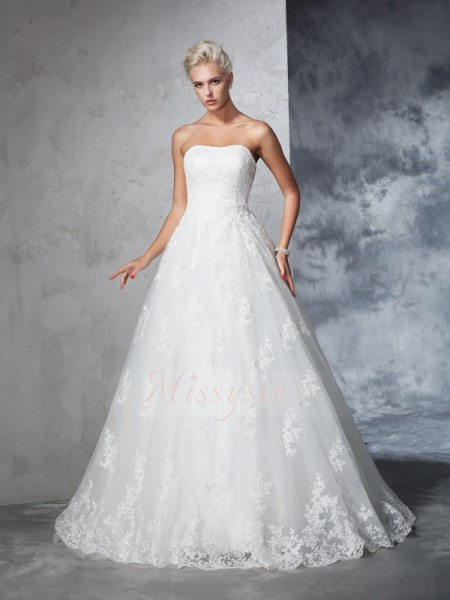 Ball Gown Strapless Sleeveless Lace Court Train Wedding Dresses