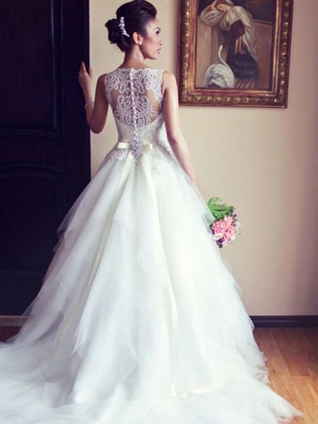 A-Line/Princess Scoop Sleeveless Chapel Train Tulle Beading Wedding Dresses