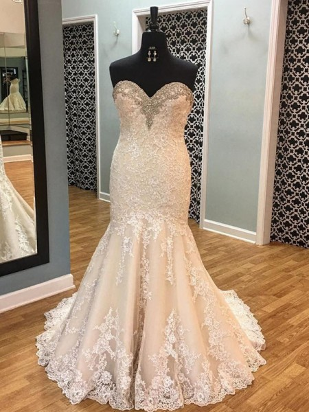 Trumpet/Mermaid Sweetheart Sleeveless Court Train Tulle Applique Wedding Dresses