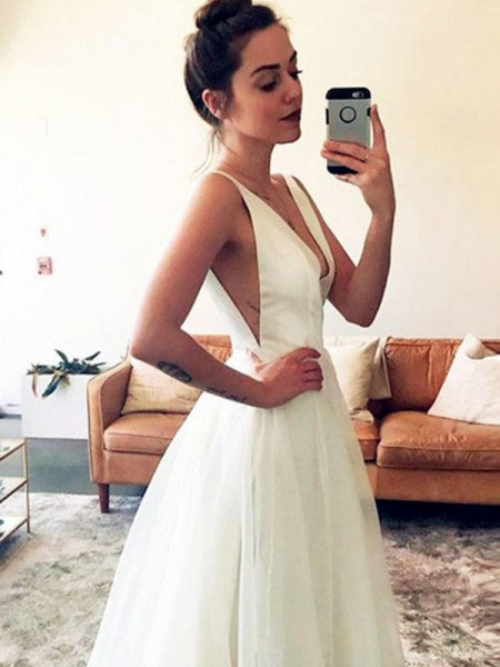 A-Line/Princess V-neck Sleeveless Sweep/Brush Train Tulle Ruched Wedding Dresses