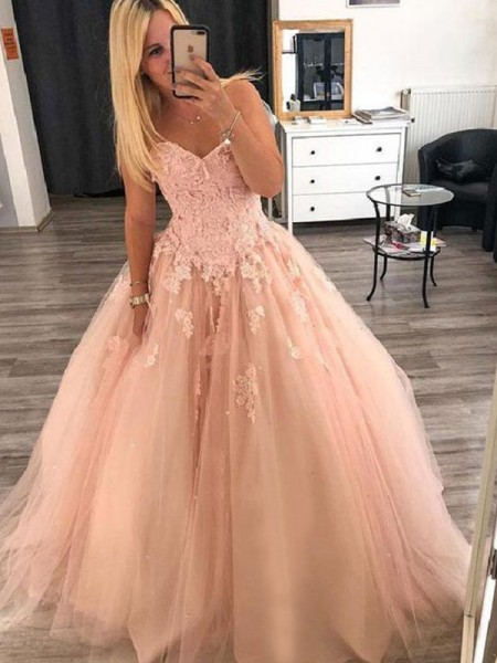 Ball Gown Sleeveless Sweetheart Tulle Floor-Length Applique Dresses