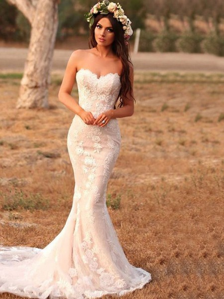 Trumpet/Mermaid Sleeveless Sweetheart Lace Sweep/Brush Train Applique Wedding Dresses