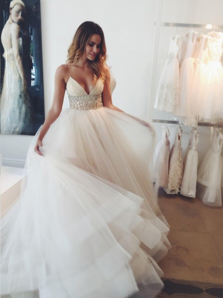 Ball Gown Spaghetti Straps Tulle Sleeveless Crystal Court Train Wedding Dresses